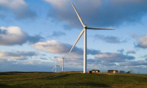 UK green energy projects fall by wayside in dash for gas